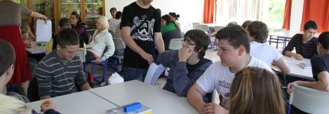 Tavi Orsolya: Dinamikai ismeretek rendszerezése, összefoglalása kooperatív technikával